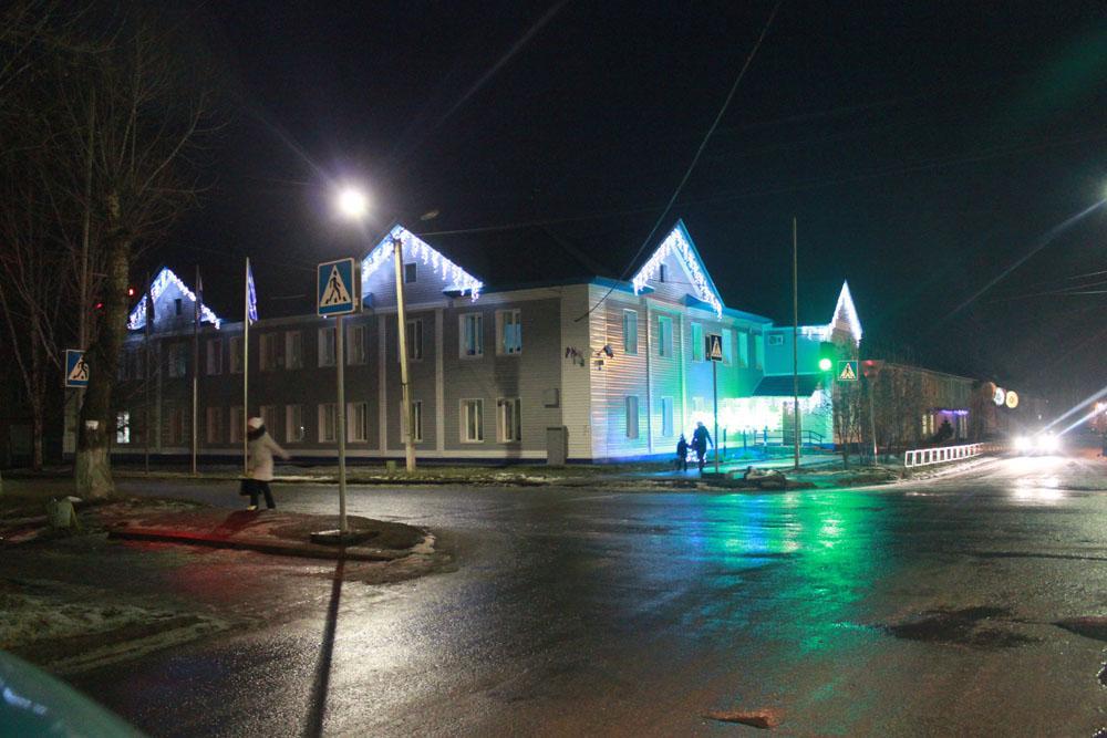 Украшение корпусов ЮТИ ТПУ к Новому году