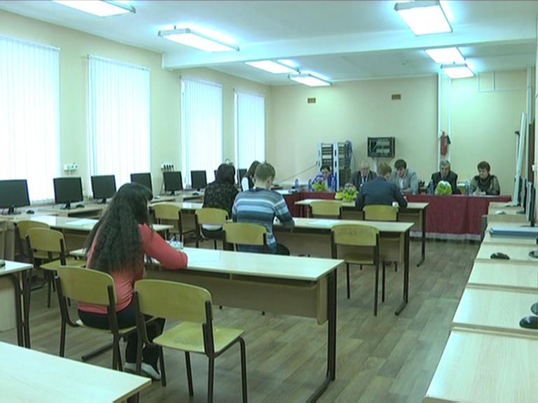 Видеосюжет от 15.05.14 г. «Государственный экзамен в ЮТИ ТПУ».