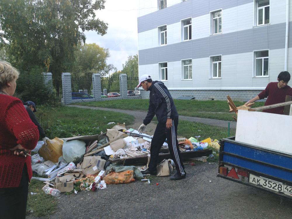 Еженедельная уборка мусора прошла успешно!