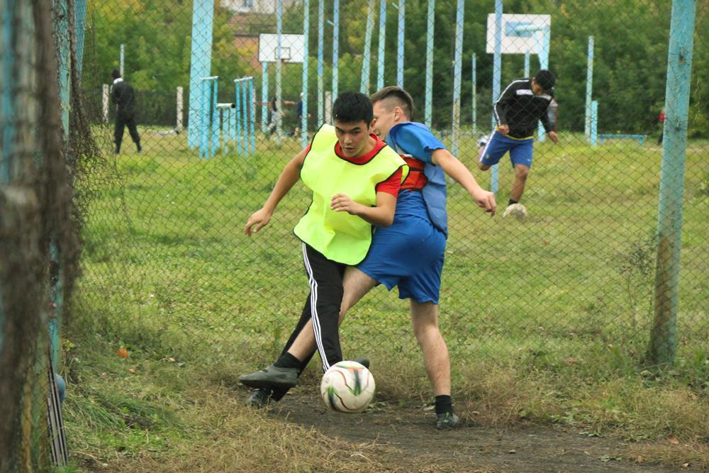 Итоги соревнований по футболу среди студентов 1 курса.