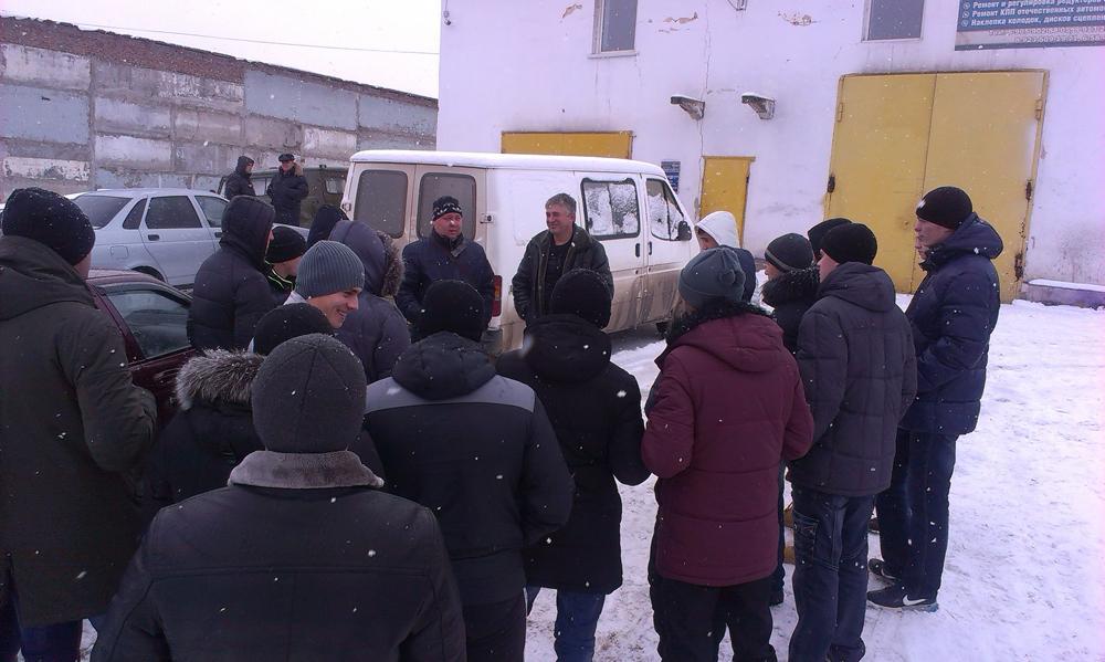 Экскурсия студентов кафедры  АИ на СТО «Штурм».