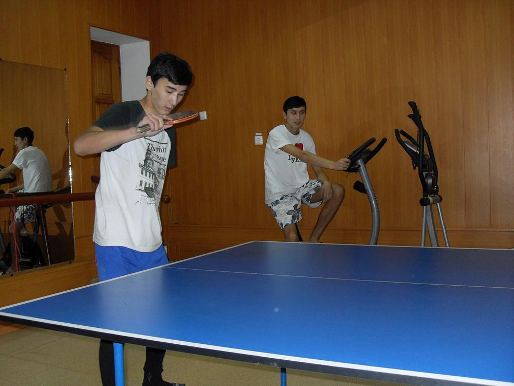 Соревнования по настольному теннису среди студентов ЮТИ ТПУ.
