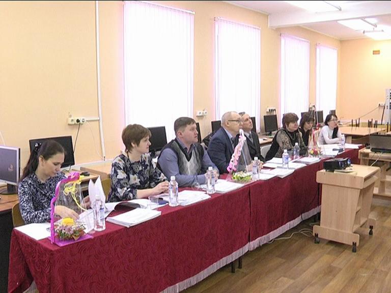 Видеосюжет от 27.02.15 г. «Защита дипломов в ЮТИ ТПУ».