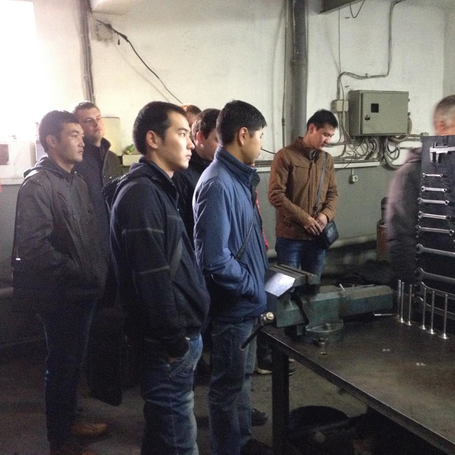 Экскурсия студентов профиля «Технический сервис» на СТО «Штурм».