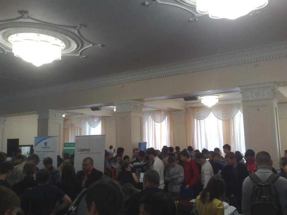 Студенты ЮТИ ТПУ побывали на ярмарке рабочих мест проходившей, в