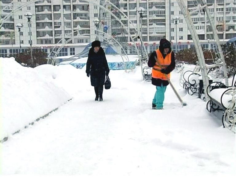 Видеосюжет «Помощь студентов ЮТИ ТПУ в уборке снега».