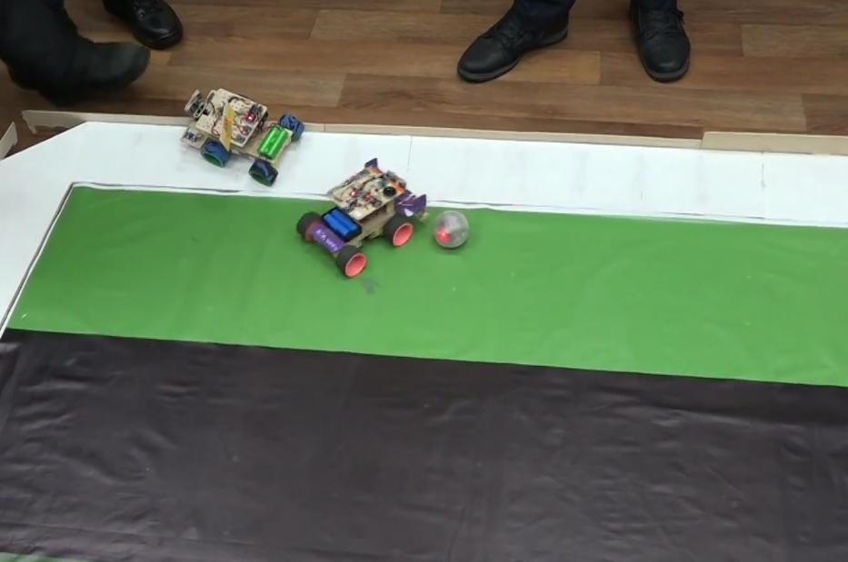 Соревнования по робофутболу