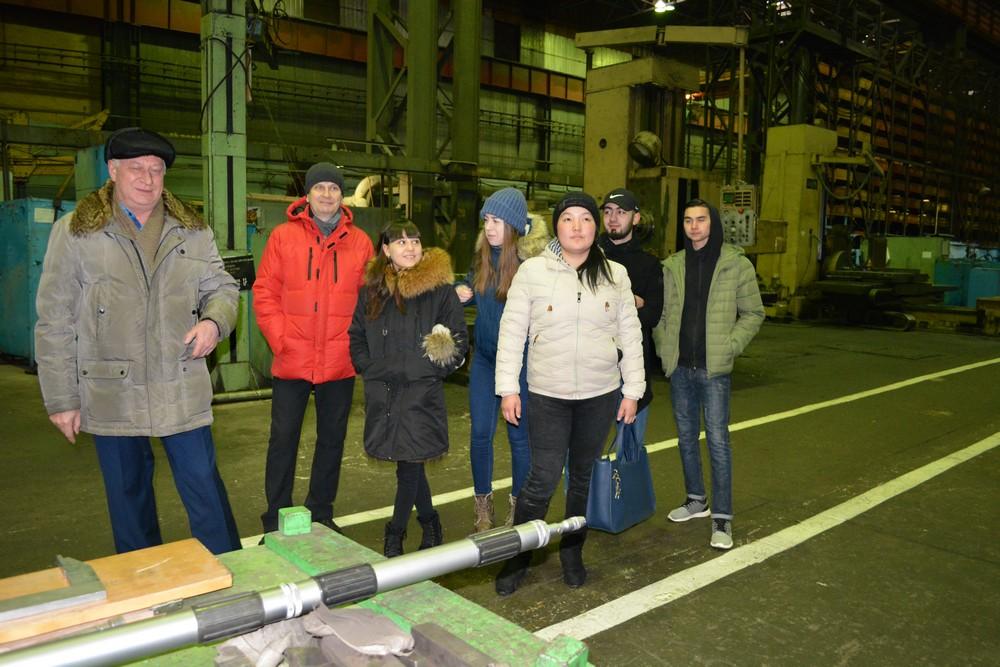 Студенты ЮТИ ТПУ побывали на экскурсии в цехах Юрмаша