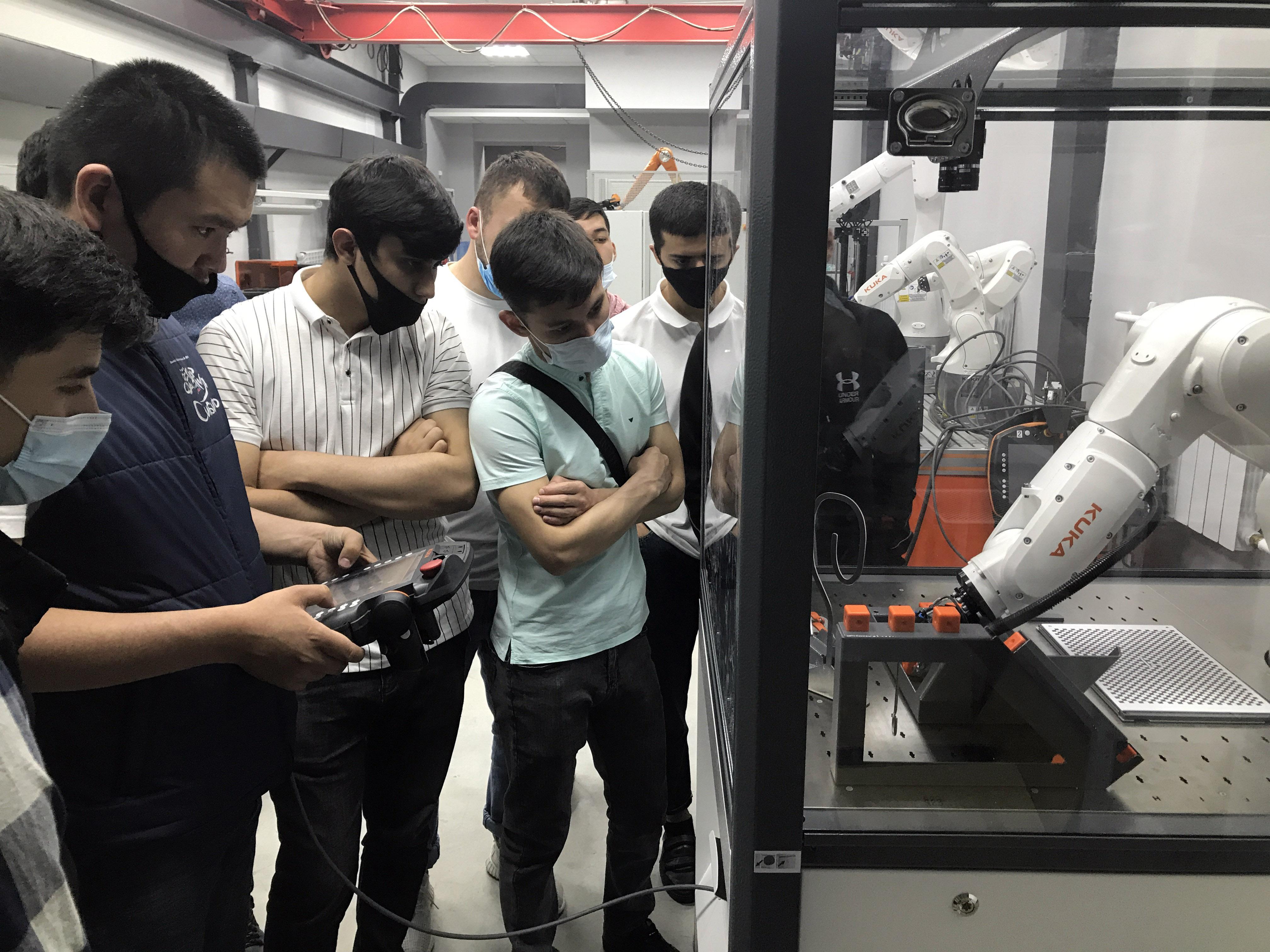 Студенты ЮТИ ТПУ посетили лаборатории Сварочного производства ТП